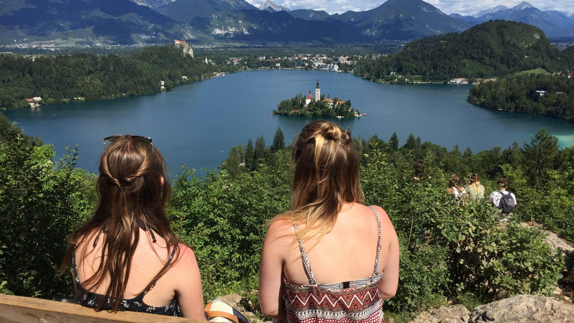 Bled SUP Bananaway - short hike to the viewpoint